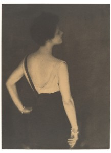 Adolf de Meyer's photo of Rita de Acosta Lydig in Harper's Bazaar in 1917 (Source: The Met; gift of Mercedes de Acosta)