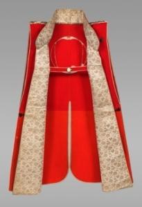 Japanese Jinbaori made from Dutch 17th century wool and Chinese silk, a luxury item worn over samurai armor. Source: John C. Weber Collection