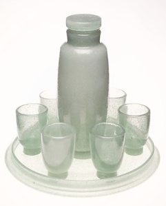 Scarpa's bubble-glass liqueur set (1935). Source: The Met.