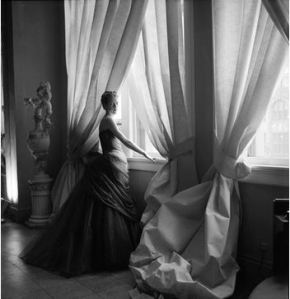 Cecil Beaton's 1955  photo of Nancy James in the Swan Gown. Courtesy: The Met; Cecil Beaton Studio Archive at Sotheby's