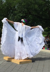 Soloist from Capulli Danza Mexicana channels her inner Frida for the crowd